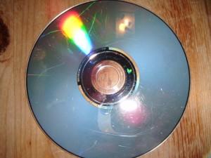 Poškrábané CD před čištěním